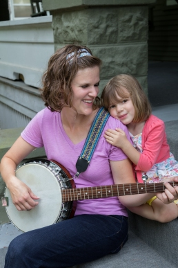 Sarah Hachtman and daughter (photo by Linda Lee)