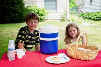 Lemonade Stand (photo by Linda Lee)