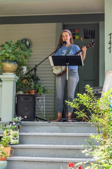 Sarah Hachtman (photo by Linda Lee)